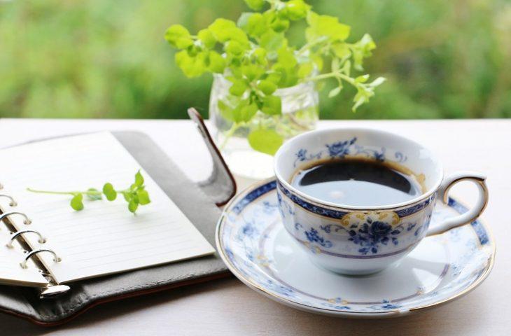 コーヒーで胃もたれや胃がムカムカする?胃が荒れるのはなぜ?